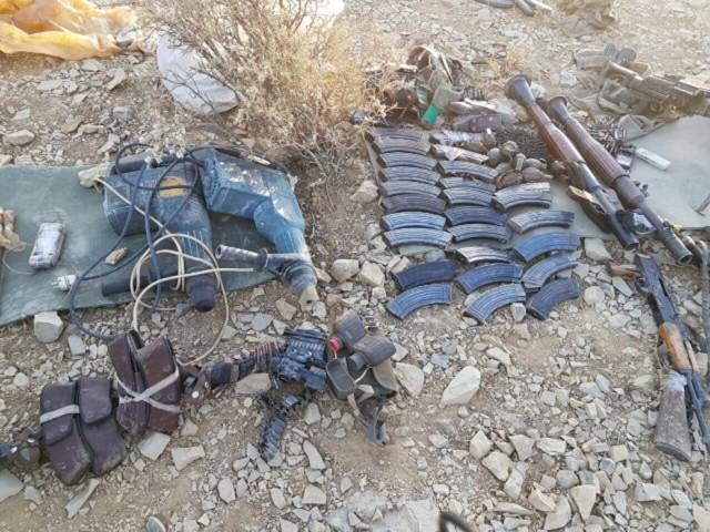 Terör örgütünün, Çukurca'daki kayıplarını gizlemek amacıyla ceset ve yaralılarını Kuzey Irak'taki kamplara kaçırdıkları belirtilirken, ele geçirilen silah, cephane ve çok miktarda erzağa el konuldu.