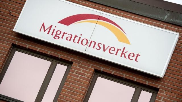 İsveç'te Göç Kurulu'nun Märsta'daki gözaltı merkezinden tutulan sekiz kaçak göçmen firar etti.  Edinilen bilgilere göre, kaçaklar binadan çıkmak için kaldıkları binanın havalandırma boruları keserek boruların içinden dışarı çıkmayı başardı.