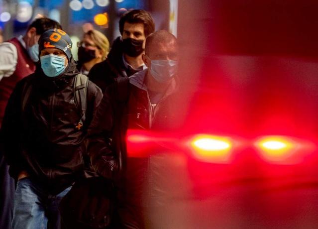 Corona virüsü salgını bitmek bilmeyen bir şekilde artmaya devam ediyor.  İkinci dalgayla birlikte, dünyada covid-19 salgınından en fazla etkilnen bölge Avrupa olarak öne çıkıyor  İşte virüsün en çok tahrip ettiği ülkeler.  Koronavirüs vaka sayıları dünya çapında artmaya devam ediyor. Bugüne kadar dünya çapında 1.26 milyon covid-19 hastası öldü ve virüsün ilerlemesi sırasında 51 milyondan fazla kişinin enfekte olduğu doğrulandı.