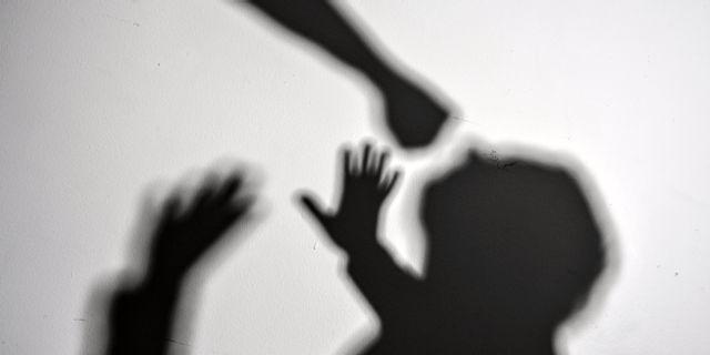 İsveç Suç Önleme Konseyi (Brå) 'nin hazırladığı kadına yönelik şiddet ve istismar olaylarına dair raporunda son bir yılda kadına yönelik şiddet ve istismar olaylarının önemli ölçüde arttığını gösteriyor.