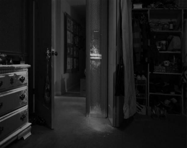 Fotoğraf sanatçısı Angela Strassheim'dan sıradışı bir çalışma serisi :  Olay yeri inceleme ekipleri cinayet mahalinden ayrıldığında neler olur hiç düşündünüz mü?