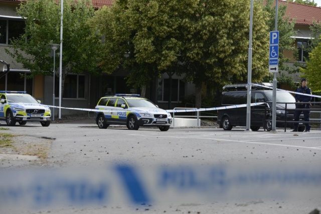 İsveç'te son günlerde artan silahlı saldırı olaylarıyla ilgili polis büyük çaba harcarken, İsveç'in başkenti Stockholm'ün Märsta bölgesinde bir kişi kurşunlandı