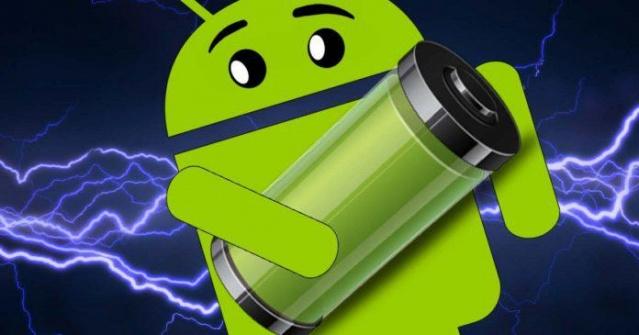 Android'de şarjınız çok mu çabuk tükeniyor? Sizler için derlediğimiz en çok şarj tüketen uygulamalar sayesinde, bu uygulamaları silerek şarjınızın süresini uzatabilirsiniz. İşte en çok şarj tüketen uygulamalar!  Android platformunda güncellemeler ile her ne kadar şarj tüketimi iyileştirilse de, telefona yüklenen 3. parti uygulamalar maalesef ki şarjı tüketmeye devam ediyor.  Bu noktada telefon üreticilerinin ve Google'ın yapacağı bir şey bulunmuyor. Tamamen uygulama geliştiricisi ile alakalı olan bu durumdan etkilenmemeniz için en çok şarj tüketen uygulamaları listeledik.