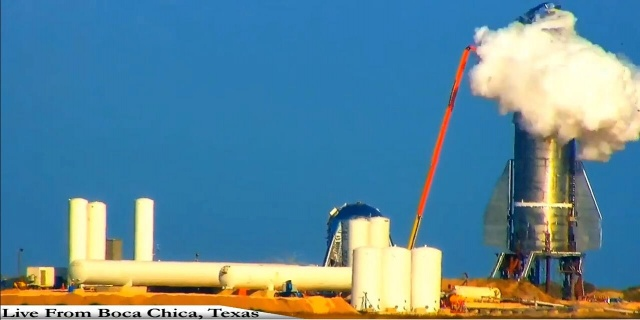 Starship Mk1 uzay aracı prototipi, Çarşamba günü Teksas'taki Boca Chica test sahasındaki basınç testi sırasında patladı.  Uzay görevlerinde kullanmak için uzun süreli kargo ve yolcu taşımak için tasarlanan Starship, dün Teksas'ta yapılan test sırasında başarısız oldu. Roket, kriyonejik basınç testi sırasında patladı.