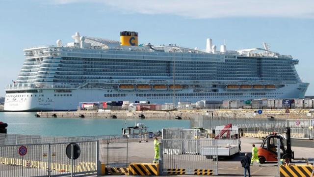 AFP'de yer verilen son dakika haberine göre; İtalya'da 6 bin kişilik cruise gemisi coronavirüsü nedeniyle karantinaya alındı. Geminin Türkiye yetkilisi 30 Türk yolcu olduğunu açıkladı.