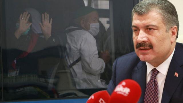 """Türkiye'de son olarak bir umre yolcusunda rastlanılan koronavirüs vakasının ardından Ankara ve Konya'da karantina seferberliği başlatıldı. Gece saatlerinden itibaren umreden dönen yolcular için Ankara ve Konya'da toplam 5 öğrenci yurdu tahliye edildi. Başkente ise şu ana kadar 6-7 uçak iniş yaptı. Kentteki yurtlarda kalacak misafir sayısının 4 bin 500 ila 5 bin civarında olacağı öğrenildi. Her iki ilde hazırlanan yurtların 10 bin 330 misafir kapasiteli olduğu da kaydedildi. Sağlık Bakanı Fahrettin Koca da, """"Umreden dün geceden itibaren dönen tüm yolcular, Ankara ve Konya'daki öğrenci yurtlarında karantina mantığıyla ayrı odalara yerleştirilmektedir"""" açıklamasında bulundu"""