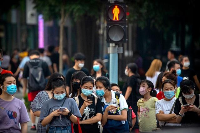 İlk koronavirüs vakasının tespit edildiği Çin, bir çok ülke tarafından koronavirüsü yaymakla suçlanıyordu. ABD'li bilim insanları dünya genelinde görülen ilk vakaları inceledi ve araştırma sonucunda koronavirüs vakalarının yüzde 27'sinin İtalya'dan yayıldığına ulaşıldı.