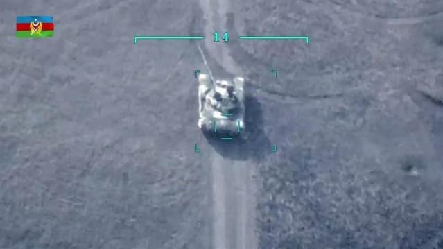 Azerbaycan ordusu, Ermenistan ordusunun Azerbaycan sivil yerleşim birimlerine gerçekleştirdiği saldırı sonrasında başlattığı karşı saldırının 3. gününde Ermeni güçlere kayıp verdirmeyi sürdürdü. Azerbaycan ordusu Ermenistan'a ait iki savaş uçağının dağa çarparak düştüğünü açıkladı.  Azerbaycan Savunma Bakanlığının açıklamasında, gece boyunca şiddetli çatışmaların devam ettiği aktarıldı.