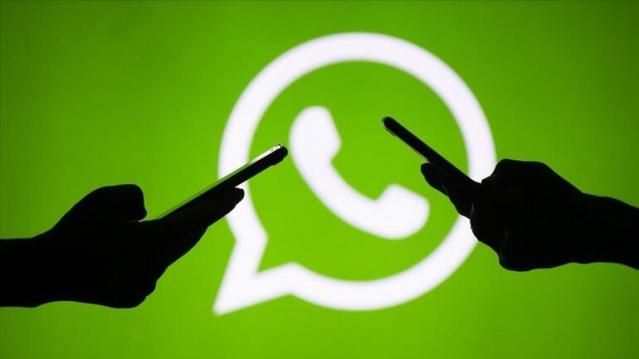 """WhatsApp sözleşmesi maddeleri, kullanıcılar için paylaşıldı. ABD'li teknoloji devi Facebook'un sahibi olduğu WhatsApp Türkiye'deki kullanıcılarına güncellenen koşullarını ve gizlilik ilkesini 8 Şubat'a kadar onaylamayanların uygulamayı kullanamayacağını bildiren sözleşme gönderdi. AB ülkelerindeki kullanıcıları etkilemeyen Whatsapp güncelleme bildirisinde, """"Hesabınızı silmeyi tercih ediyor ve daha fazla bilgi almak istiyorsanız Yardım Merkezi'ni de ziyaret edebilirsiniz."""" ifadelerine yer verildi."""