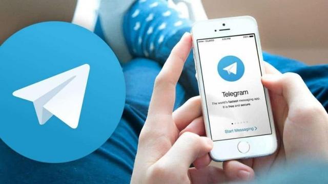 Mesajlaşma uygulamalarının gizliliğinin ve güvenliğini tartışıldığı mevcut ortamda, Telegram uygulamasının işlevselliğinin basit bir mesaj alışverişinin ötesine geçtiğini ve birçok şaşırtıcı özelliğe sahip olduğu, kullanımı arttıkça keşfedilmeye devam ediyor.  Yakın zamanda 500 milyondan fazla aktif kullanıcıyı geçen ve son 72 saatte 35 milyon kişinin katıldığı Telegram, sahip olduğu geniş kullanıcı tabanıyla iletişim merkezi, mesaj panosu ve sosyal medya unsurlarını birleştiriyor. Dolayısıyla bu uygulamayı kullanırken gizlilik ve güvenliği farklı yönleriyle ele almak gerekiyor. Habertürk.com'un haberine göre; Siber güvenlik kuruluşu Kaspersky uzmanları, Telegram deneyiminizin güvenli olmasını sağlayacak 7 ipucunu bir araya getirdi. İşte o püf noktaları: