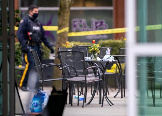 Kanada'da bıçaklı saldırıda bir kişi yaşamını yitirirken, altı kişinin de yaralandığı açıklandı.  Kanada'nın Vancouver kentinde düzenlenen bıçaklı saldırıda bir kişi yaşamını yitirdi, altı kişi yaralandı.