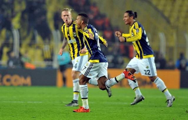 Fenerbahçe'nin UEFA Avrupa Ligi'nde Lokomotiv Moskova ile oynayacağı maçlar öncesinde flaş bir gelişme yaşandı.