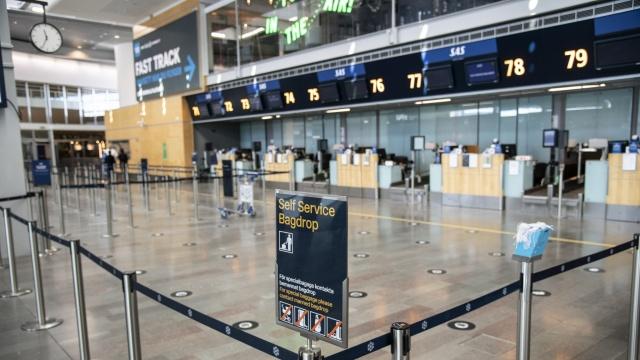 Seyahat kısıtlamalarının azalması ve seyahatin artmasına izin verilmesi nedeniyle havacılığın toparlanmasının temkinli bir şekilde devam ettiğini görüyoruz diyen Swedavia CEO'su Jonas Abrahamsson, Temmuz ayında bile tarihi bir düşüş yaşanıyor diyerek, pandemi ile birlikte 3,3 milyon yolcu azaldığını ve bunun da havacılık sektörünü nasıl etkilediğini anlamak için yeterli olduğunu belirtti.  Swedavia, Arlanda ve Landvetter dahil olmak üzere, on havaalanını işletiyor.