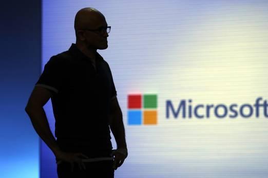 4. Microsoft  Microsoft bir zamanlar dünyanın en büyük markasıydı, ancak bugün en üst sırada dördüncü sıradalar. Ancak, listede yer alan diğer markaların çoğu gibi, Microsoft'un toplam marka değeri - bu yıl 143 milyardan 201 milyar to 201 milyara, yüzde 40 arttı.