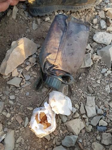 Kale Tepe'nin güvenlik güçlerinin eline geçmesiyle panik halında kaçan PKK'lılar, ölen teröristlerin cesetlerini bile arazide bıraktığı kaydedildi.