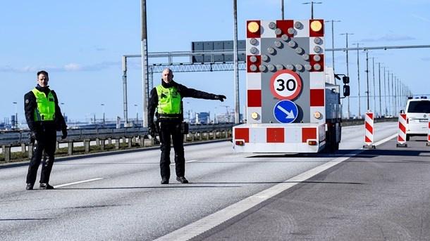 Norveç Başbakanı Erna Solberg 15 Temmuz itibarıyla AÇA ve Schengen bölgelerinden ülkeye girenlere karantina kuralını kaldıracağını duyurdu.  15 Temmuz itibarıyla daha çok ülkeye sınırlarını açmaya hazırlanan Norveç devleti, İsveç'e sınırların kapalı kalmaya devam edeceğini söyledi.