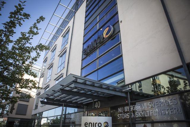 """Eniro  """"Eniro yarım milyar dolar kaybetti. """"Şirkete soruşturma başlatıldı."""" Eniro girişimcilere sahte fatura dağıtıyor denildi. Evrakta sahtecilik ve dolandırıcılıkla başı dertte olan şirket, son on yılın en büyük düşüşünü yaşadı.  Değer kaybı yüzde 99,98."""