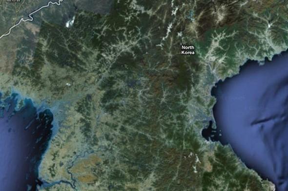 KUZEY KORE   Ülkenin tamamı uzun yıllar Google Maps'ta kocaman bir yeşillik olarak yer aldı. Ne bir otoban, ne bir sokak, ne bir bina hiç bir şeye görüntülerde yer verilmedi. Ancak şu an ülkeye Google Maps üzerinden bakılabiliyor.