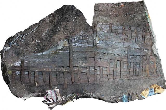 Stokgolm markazidagi hovlida 1500 yilga oid kema topildi!
