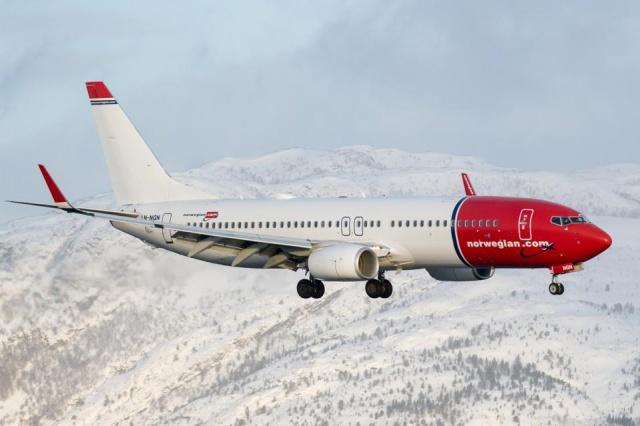Norveç'te katı seyahat kısıtlamaları nedeniyle Ocak ayında iç hatlarda sadece 8 uçuş yapıldığı açıklandı.  Covid-19 salgının en çok etkilediği sektörlerden biri olan havacılık sektöründe çarpıcı rakamlar açıklanmaya devam ediyor. Seyahat konusunda en titiz ülkeler arasında yer alan ülkelerden biri olan Norveç'te Ocak ayında rakamlar dibe vurdu.