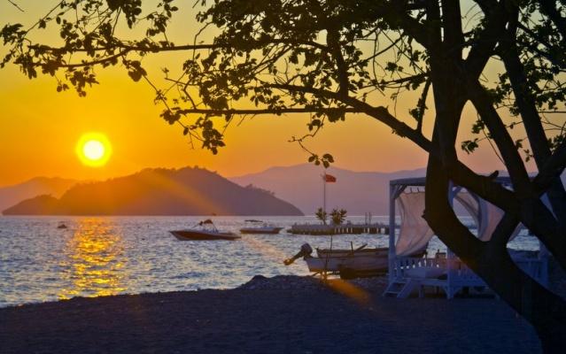 Türkiye Butik oteller olarak oldukça zengin bir ülke. Özellikle Avrupa'da çok tercih edilen butik otel konaklama deneyimi son yıllarda Türkiye'de de oldukça ilgi görmeye başladı. Konaklama ücretlerinin diğer konaklama seçeneklerine göre nispeten daha yüksek olduğu butik oteller, 5 yıldızlı otel konforunu sunarken aynı zamanda kendine özgü atmosferiyle benzersiz bir konaklama deneyimi sunar  Pek çok farklı konaklama hizmeti sunan ve doğal güzellikleri içerisinde misafirlere unutulmaz bir tatil yaşatmayı hedefleyen butik oteller listesi hazırladık.  Butik otellerde farklı bir tatil deneyimi için: 072 226 08 02 nolu numarayı arayabilirsiniz.