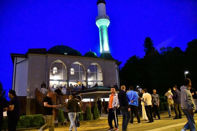 Kadir Gecesi, İsveç'in başkenti Stockholm'de binlerce Müslümanın katılımıyla idrak edildi.