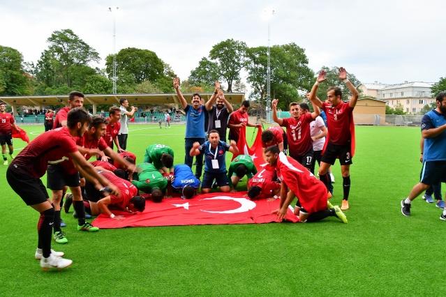 İsveç'in başkenti Stockholm'deki Hammnarby IP Stadı'nda oynanan final maçından Türkiye, 4. dakikada Kazım Kılıç, 12. dakikada Ahmet Ergin, 33. dakikada Emrecan Dönmez, 61. dakika Serkan Aydın'ın golleriyle 4-0 galip ayrıldı ve Avrupa şampiyonluğuna ulaştı.