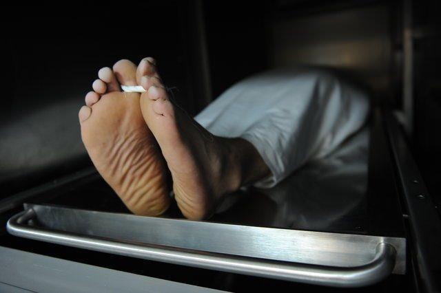"""Dr. Parnia, """"Beyin öldükten sonra da çalışmaya devam ediyor, insanlar öldüklerinin farkında oluyorlar"""" açıklamasında bulundu."""