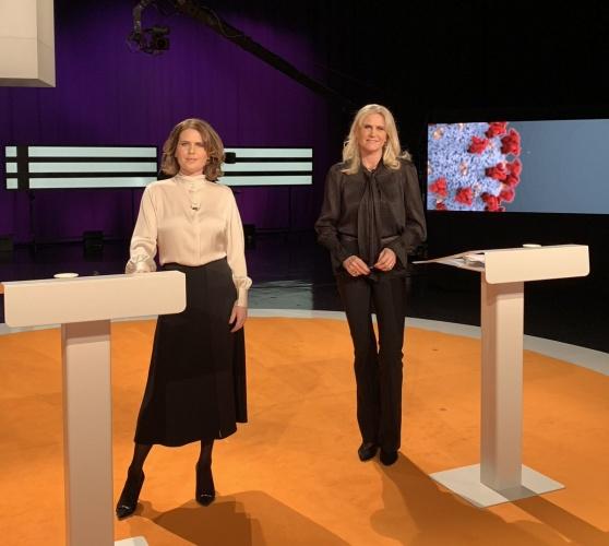SVT Agenda programına katılan Başbakan Stefan Löfven, Epidemiyolog Anders Tegnell ve Sosyal İşler Bakanı Lena Hallengren, editörün sorularını yanıtladı.  İsveç'te salgınla mücadele konusundaki eksiklikler ve yapılanlar ile ilgili sorular yanıtlandı.