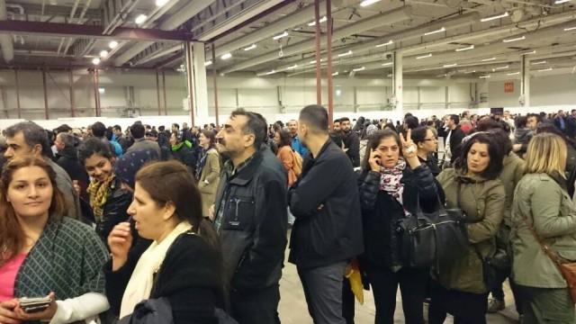 İsveç'in başkenti Stockholm'de kurulan sandıklarda oy kullanma hakkı olan yaklaşık 36 bin insanın üçte birinin sandığa gitmesi bekliyor.