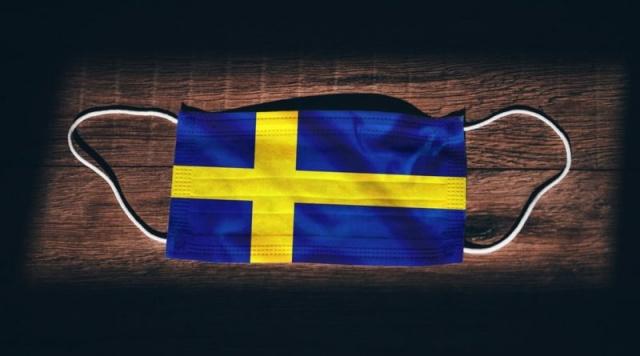 Koronavirüsün hız kazandığı İsveç'te hafta içinde Başbakan Löfven'in açıkladığı kısıtlamalarla ilgili bölge yönetimleri bir bir kısıtlamaları koordine ettiklerini açıkladı.  Skåne ve Uppsala yerel yönetimleri başta olmak üzere, birçok bölgede kısıtlamalarla ilgili adımlar atılmaya devam ediliyor.