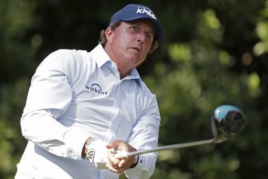 2. Workday  Golfçüler için, Workday şirketi belki de en popüler olanı golf sporunda en çok kazanan Phil Mickelson'ın sponsoru olarak bilinir. Yazılım şirketi, dünyanın en büyük şirketlerinin, okullarının ve hükümet kuruluşlarının bazılarına bulut tabanlı İK hizmetlerini sunmaktadır.  Workday 2005 yılında kuruldu ve merkezi Pleasanton, California'da bulunuyor.  Forbes, şirketi 2018 yılında dünyanın en yenilikçi ikinci şirketi olarak kabul ediyor.
