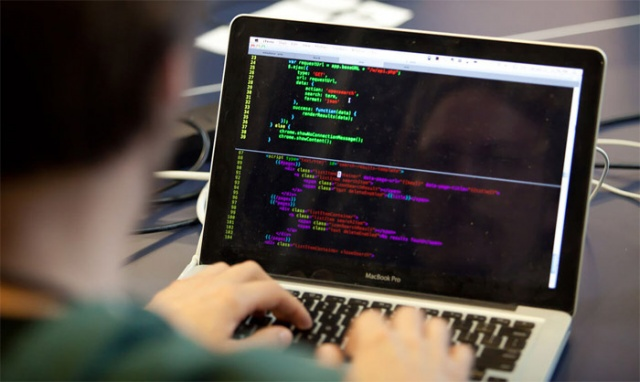 Yazılım geliştiricileri : 42 800  SEK