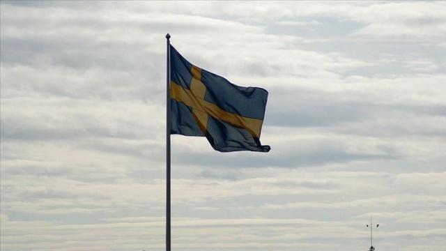 Koronavirüsle mücadele konusunda Avrupa Birliği ülkeleri arasında en farklı mücadele eden İsveç'te son zamanlarda merak edilen konuların başında tedavi görüp iyileşen olup olmadığı konusudur.