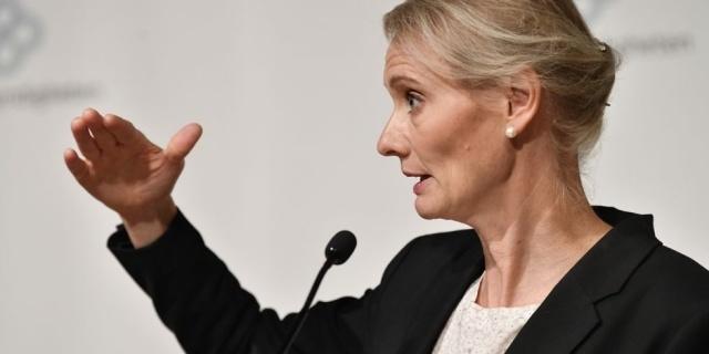 İsveç'te salgınla ilgili Cuma gününden bu yana bekletilen vaka sayıları bugün açıklandı.  Haftada sadece dört gün bilgileri güncelleyen Halk Sağlığı Kurumu hafta sonu ve pazartesi günleri bilgi yenilemesi yapmıyor.