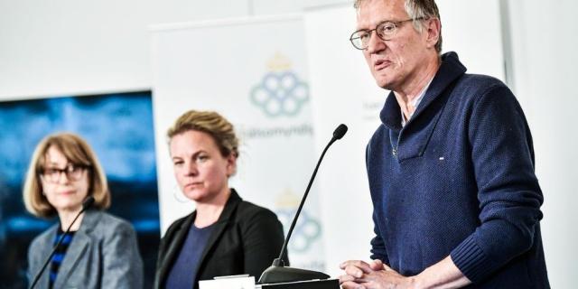 İsveç'te koronavirüsle bağlantılı vaka ve can kayıplarıyla ilgili bilgi verilirken, hafta sonuyla bağlantılı olarak verilerin sisteme henüz girilmediği gözleniyor. Dün koronavirüs bağlantılı beş, bugün 19 yeni ölüm bildirildi.  Ülkedeki toplam vaka sayısının 30 bin 377'ye yükseldiği belirtilirken, hayatını kaybeden kişi sayısı yeni rakamlarla birlikte 3 bin 698'e yükseldi.