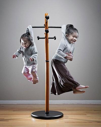 Özellikle photoshop kullanmayı biliyorsa çocuğunuzu askılıkta veya bir kabağın içinde oyulmuş bulabilirsiniz.
