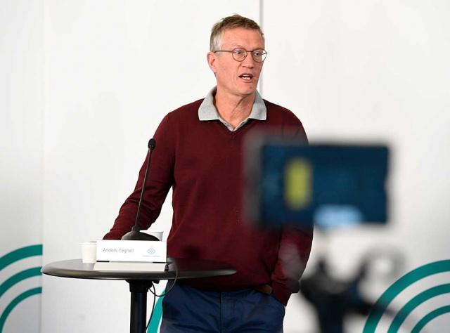 Koronavirüs salgınıyla ilgili açıklamada bulunan Halk Sağlığı Kurumu Devlet epidemiyoloğu Anders Tegnell, yeni vaka oranlarının düştüğünü belirtti.  Halk sağlığı istatistikleri İsveç'in R (bulaş) rakamının 21 Nisan'dan bu yana 1.0'ın altında olduğunu gösteriyor.