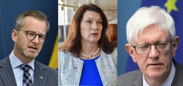 İngiltere'de ortaya çıkan ve yüzde 70 daha hızlı bulaşan covid-19 virüsünün yeni varyantı ile ilgili alınacak tedbirler konusunda hükümet kanadı bilgilendirme yapacak.  Hükümet kaynaklarından alınan bilgiye göre, yerel saatle 16.30'da bir basın toplantısı eşliğinde alınan yeni tedbirler açıklanacak.  Basın toplantısına İçişleri Bakanı Mikael Damberg, Dışişleri Bakanı Ann Linde ve İsveç Halk Sağlığı Kurumu Genel Müdürü Johan Carlson katılacak.