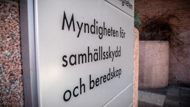 İsveç'te koronavirüs takip uygulaması olarak kullanılan CoronaApp'ın durdurulması ile ilgili İsveç Rekabet Kurumu, MSB'nin uygulamayı durdurmasıyla ilgili soruşturma başlattığını duyurdu.  Sosyal Koruma ve Hazırlık Ajansı ile temasa geçen İsveç Rekabet Kurumu, Acil Durum Hazırlık Ajansı MSB'nin uygulamadaki sözleşme maddelerini ihlal edip etmediği konusunda inceleme başlatıldığı duyurulurken, uygulamanın kullanıma neden kapatıldığına da bakılıyor.
