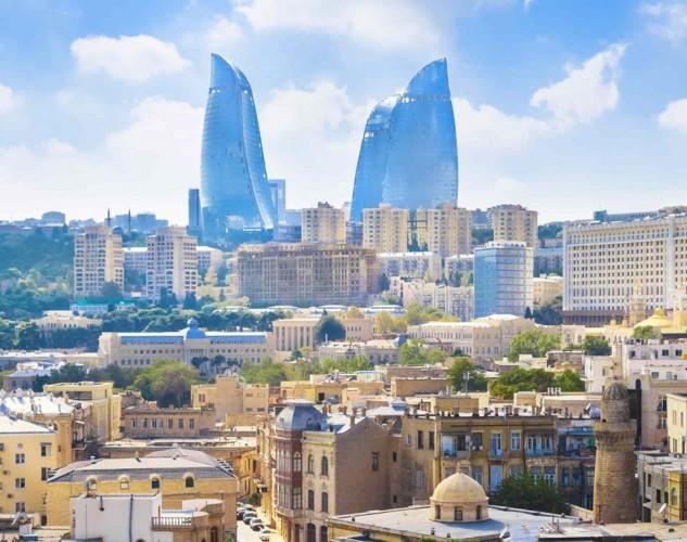 Azerbaycan  Kapıda vize ve Online vize uygulamaları var.  Havalimanlarında 10 ABD Doları karşılığında 60 günlük vize alınabiliyor.   Azerbaycan E-vize sitesi üzerinden online vize başvurusu 20 ABD Doları karşılığında yapılabiliyor.