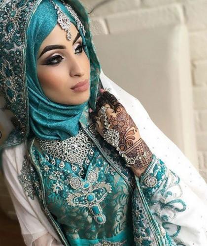 Her kültür farklı bir geleneğe sahiptir. Batı ülkelerinde gelinler düğünlerinde beyaz elbise giyer.