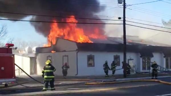 Yangın sırasında saniyeler bile önemlidir. İtfaiyecilerin olay yerine hızlıca varması ve doğru bir planlama ile yangını söndürmeleri hayatidir.