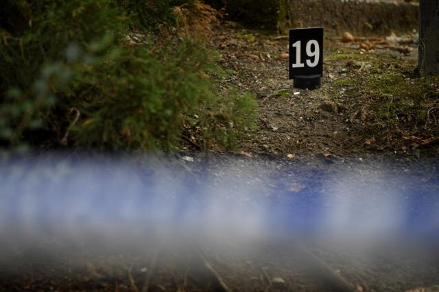 Olay yeri inceleme ekibinin götünrülerinden alınan fotoğraflarda hasta gence onlarca el ateş edildiği görülüyor.