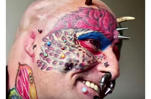 Dünyadaki bu insanlar kendileri dövmelerle ve piercinglerle tanınamaz hale getirmişler