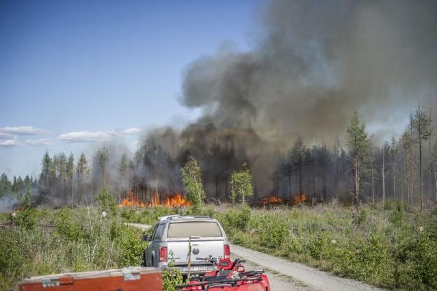 Västmanland bölgesindeki yangında bir itfaiye çalışanı hayatını kaybetmişti.