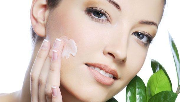 Çok sıcak ve sık banyo, cildin ihtiyacı olan yağı eksilterek egzama ve deri hastalıklarını ortaya çıkarabilir.