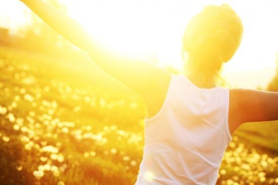 İç Hastalıkları Uzmanı Dr. Emrah Turunç, yaz dönemi vitaminlerini ve önemlerini anlattı  Yaz mevsimi, vücudumuzun bazı vitaminlere duyduğu ihtiyacın artmasına ve dolayısıyla bu vitaminlerin eksikliğini hissetmemize neden olabiliyor.