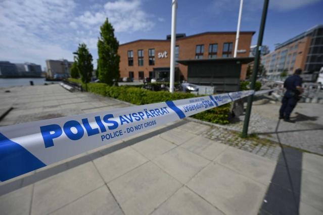 Politsiya SVT binosini qurshab oldi