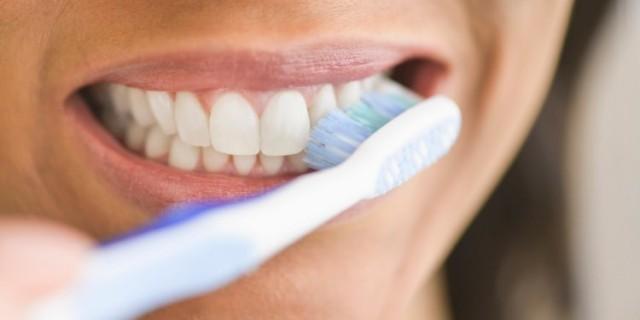 Bu sayede artıklardan kurtulup, ağızda kalarak çeşitli enfeksiyonlara neden olmaları önlenir.